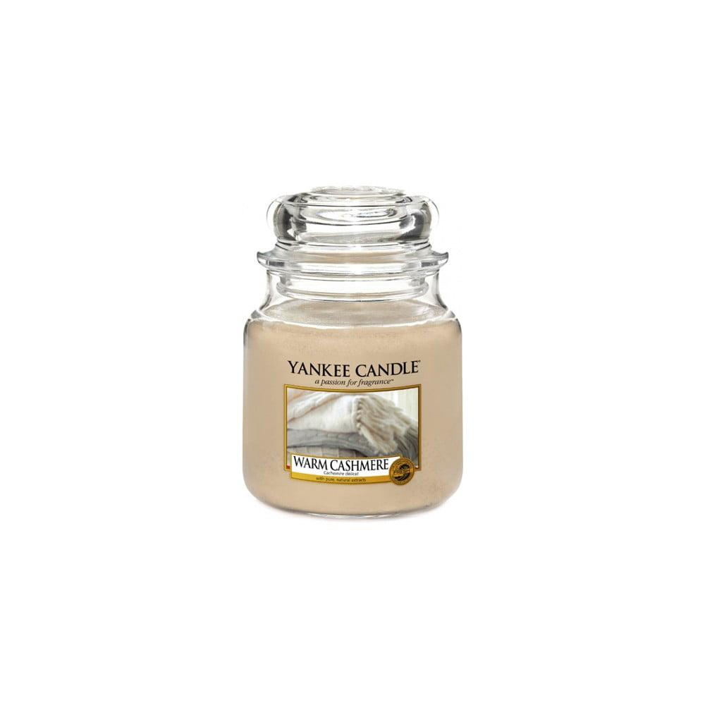 Vonná svíčka Yankee Candle Hřejivý Kašmír, doba hoření 65 - 90 hodin