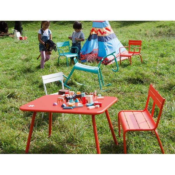 Oranžovočervený dětský stůl Fermob Luxembourg