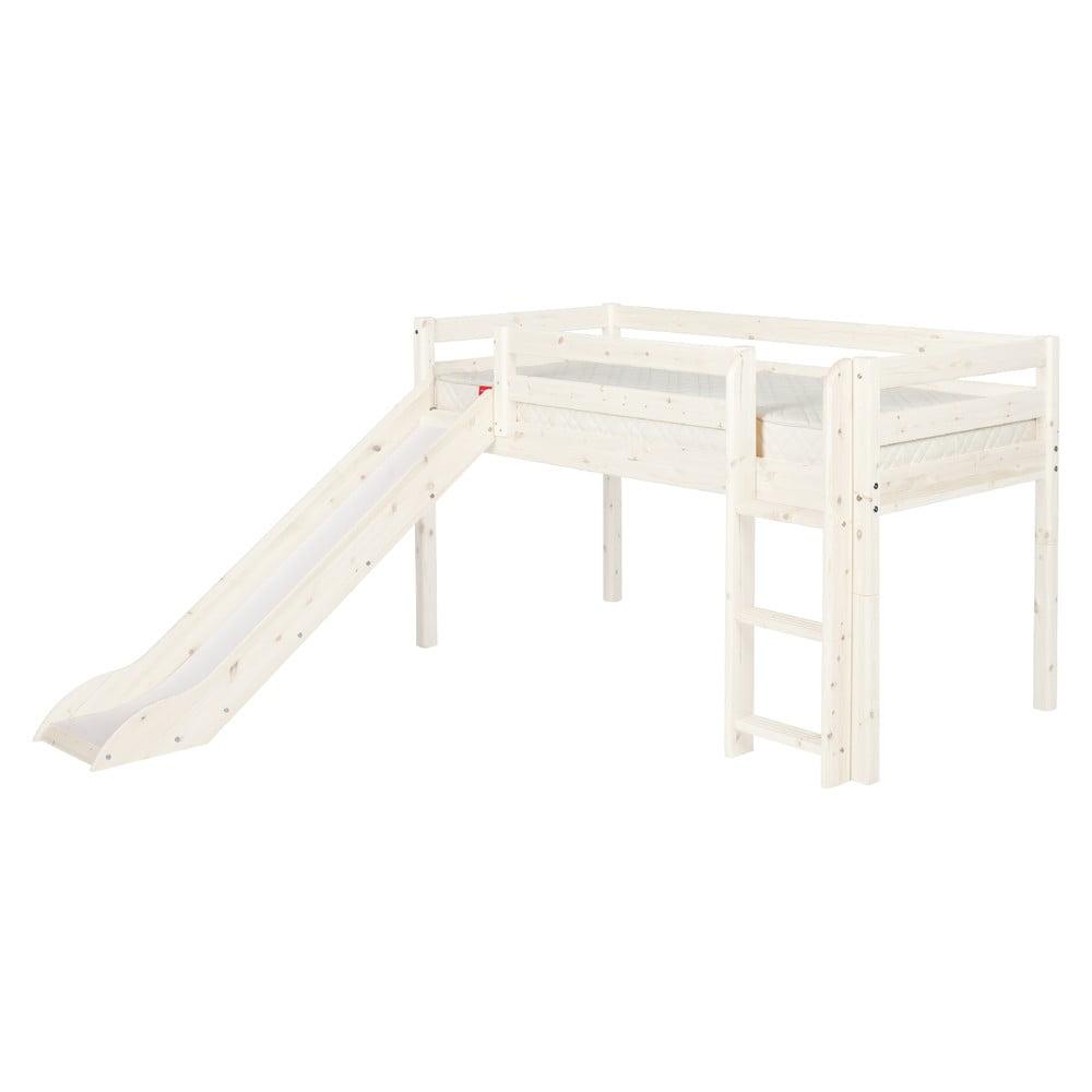 Bílá středně vysoká dětská postel z borovicového dřeva se skluzavkou Flexa Classic, 90 x 200 cm