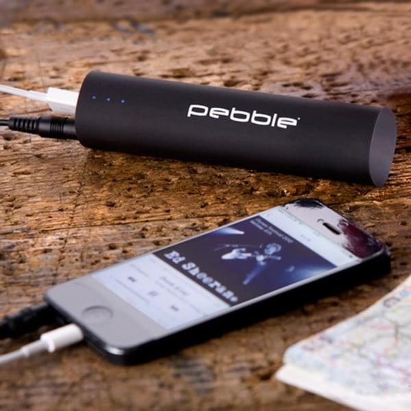 Chytrá černá nabíječka na cesty Pebble Smartstick