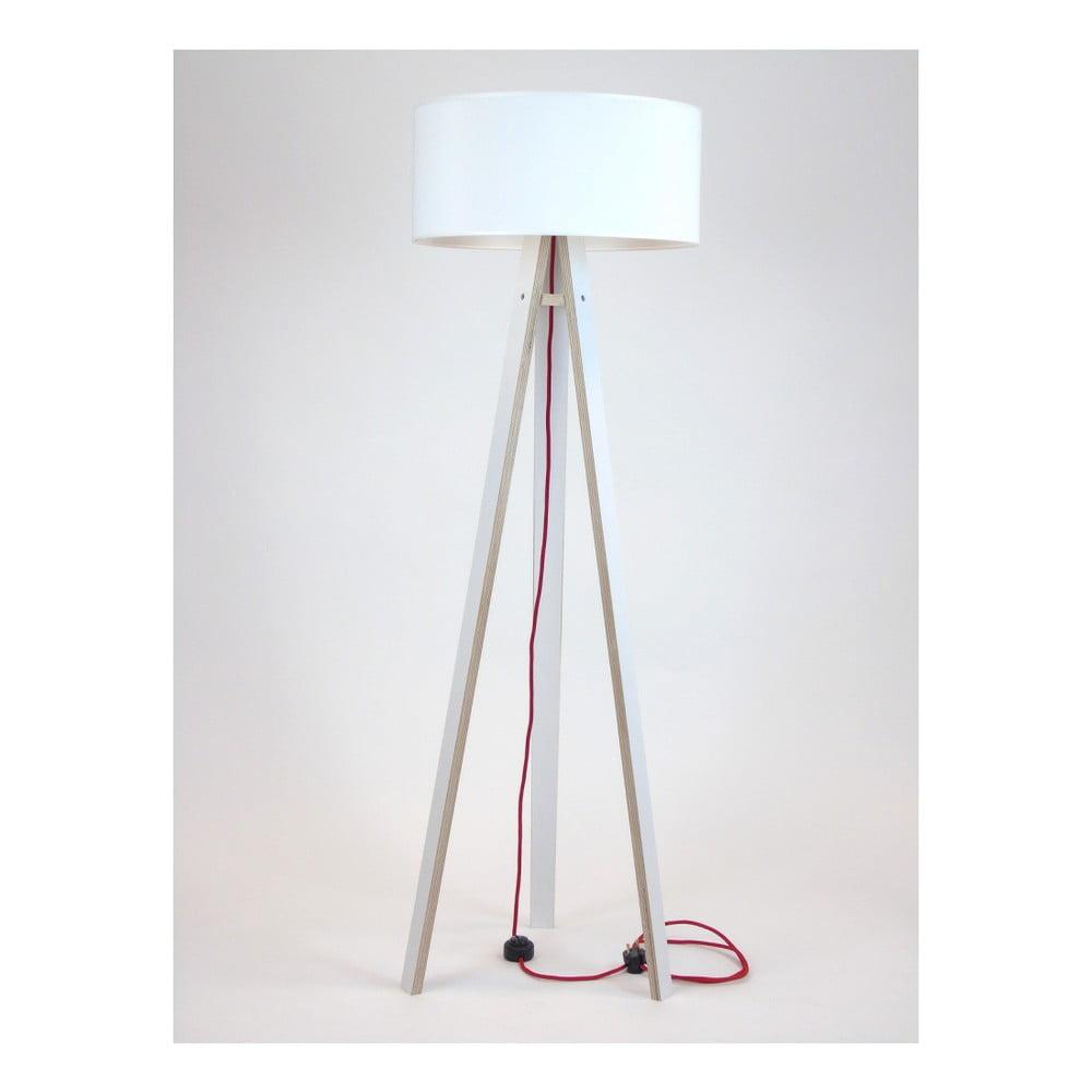 Bílá stojací lampa s bílým stínítkem a červeným kabelem Ragaba Wanda