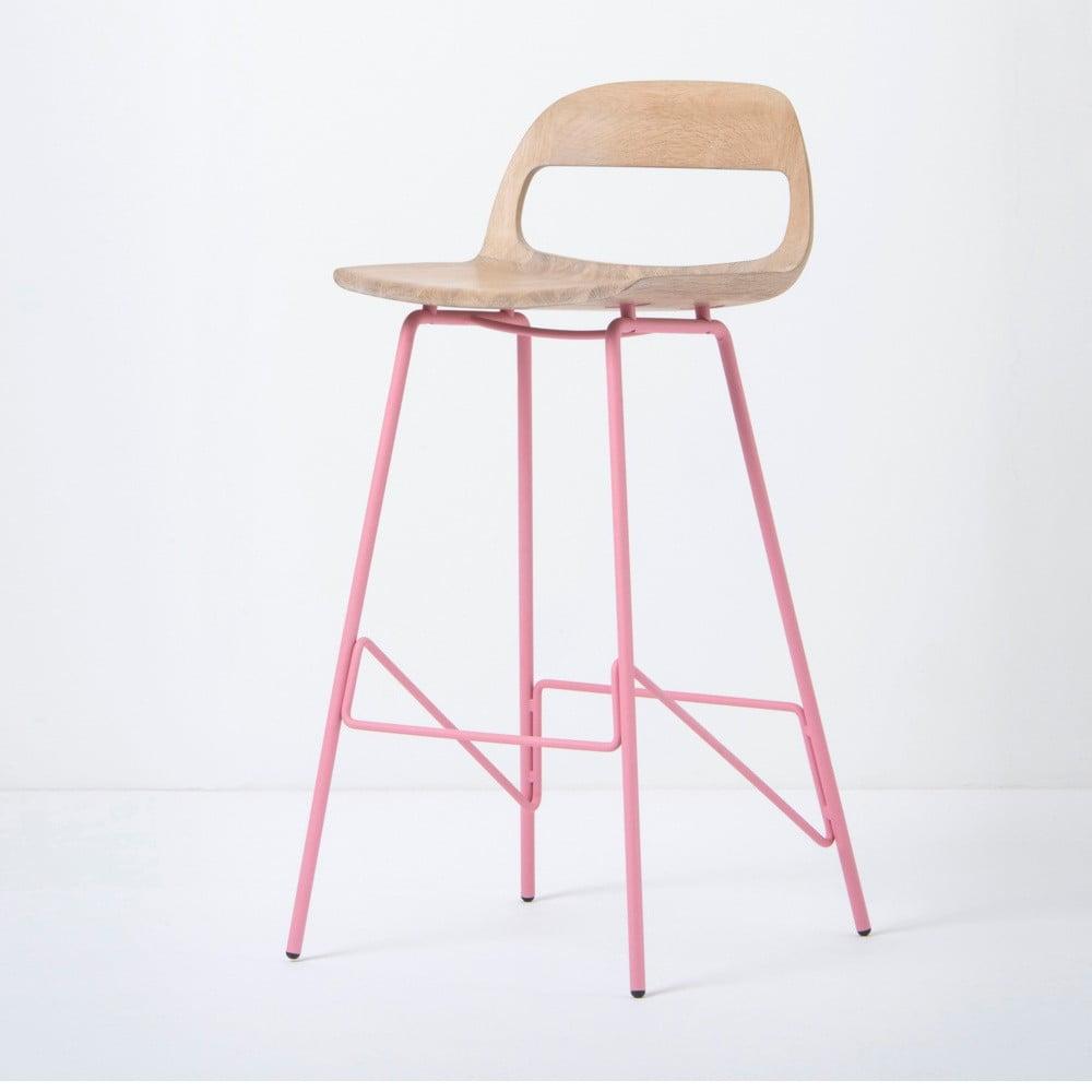 Barová židle se sedákem z masivního dubového dřeva a růžovými nohami Gazzda Leina, výška 94 cm