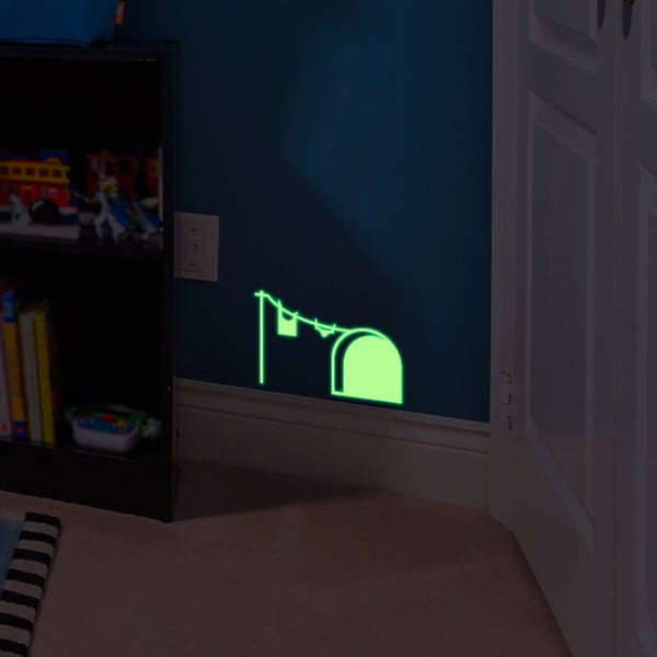 Samolepka svítící ve tmě MaDéco Mouse Hole And Laundry