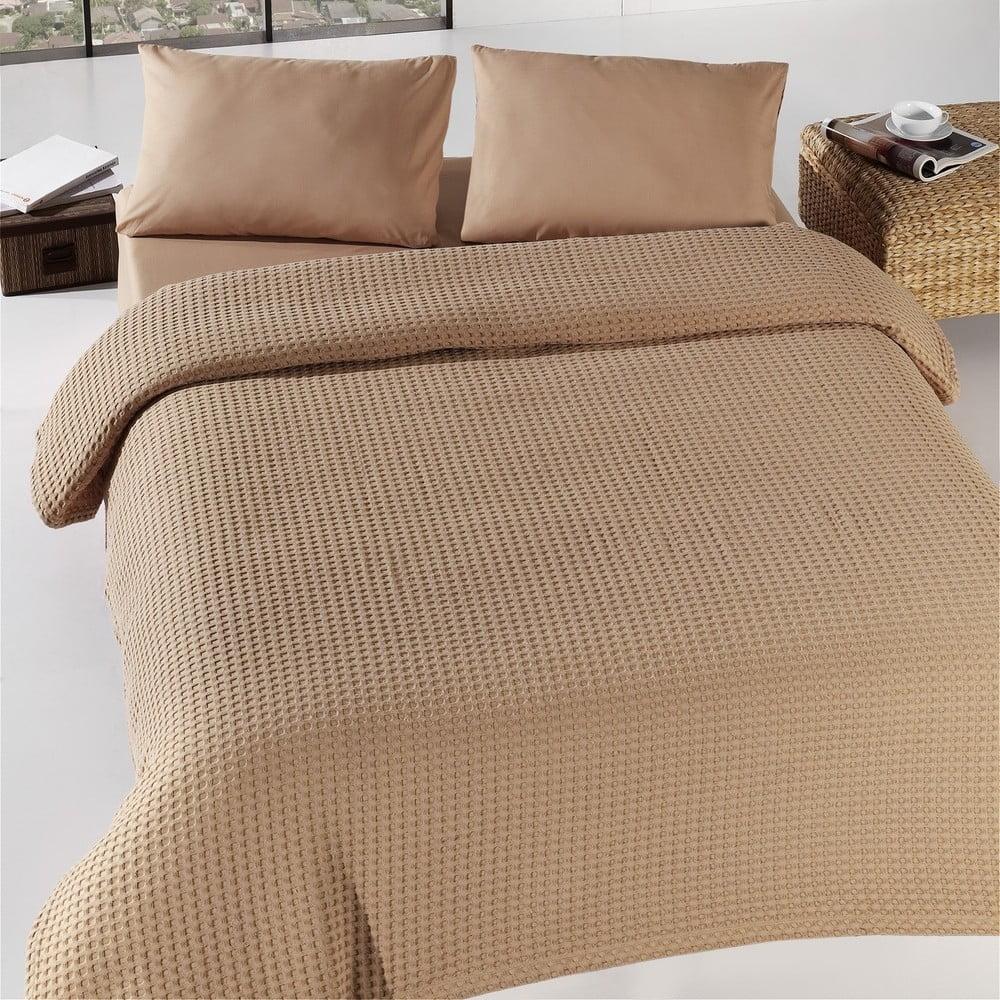 Hnědý lehký bavlněný přehoz na dvoulůžko přes postel Pique, 200 x 240 cm