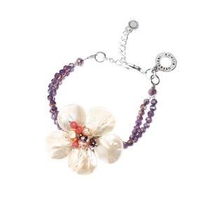 Bílo-fialový náramek s motivem květiny Ottaviani Rosé
