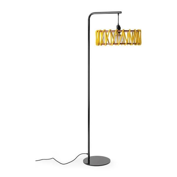 Stojací lampa s černou konstrukcí a velkým žlutým stínidlem EMKO Macaron