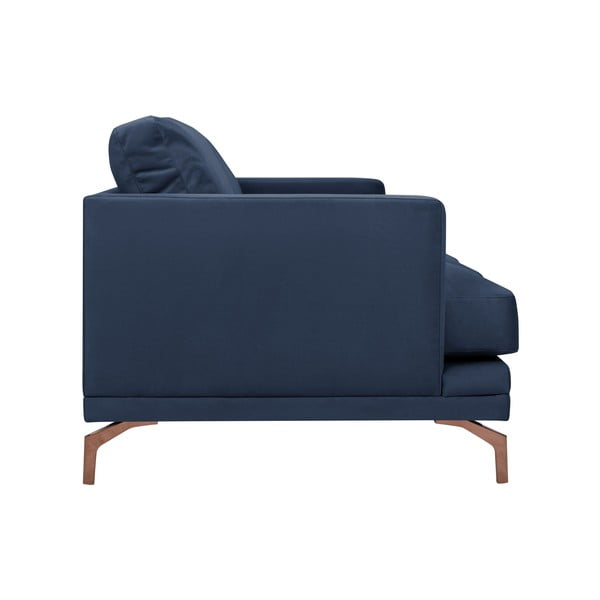Tmavě modrá trojmístná pohovka s podnožím ve zlaté barvě Windsor & Co Sofas Jupiter