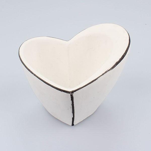 Bílý betonový květináč Dakls Small Vintage Heart