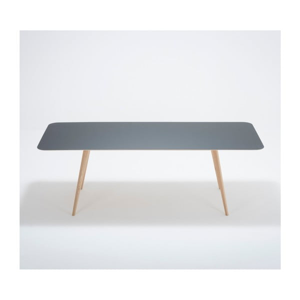 Jídelní stůl z masivního dubového dřeva s tmavě modrou deskou Gazzda Linn, 220x90cm