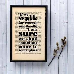Plakát v dřevěném rámu Wizard of Oz Walk Far Enough