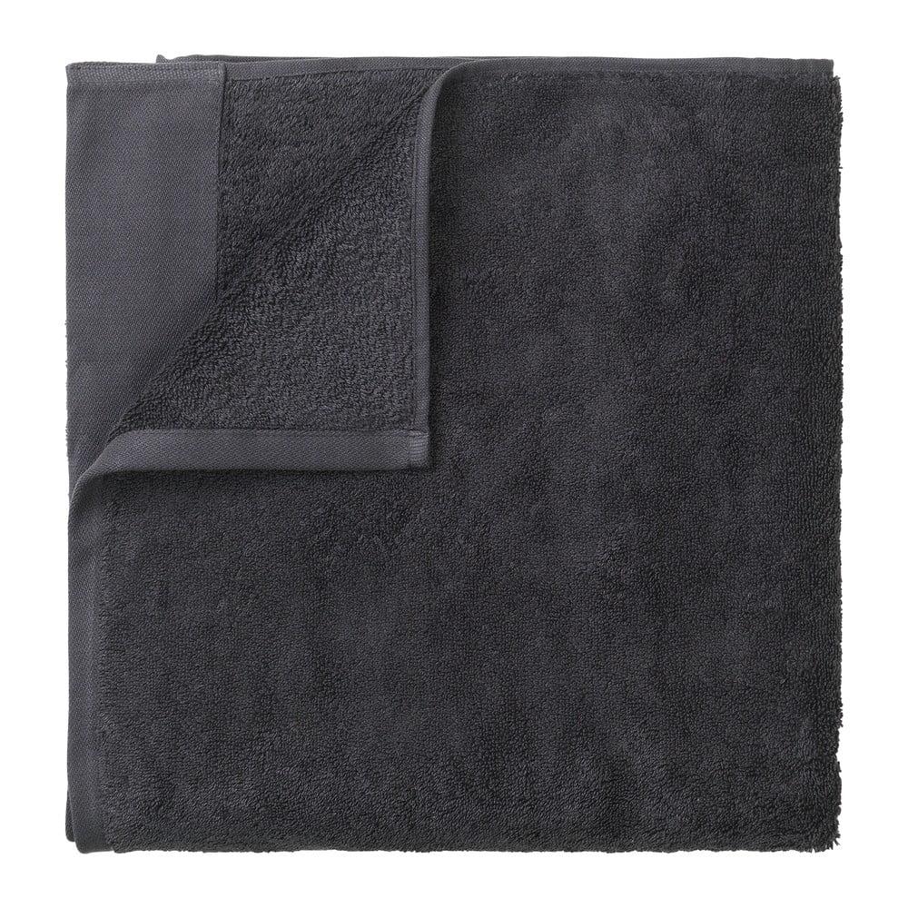 Tmavě šedý bavlněný ručník Blomus, 50x100cm