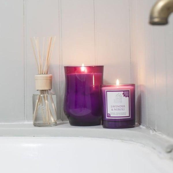 Vonná svíčka Coloured 30 hodin hoření, aroma jantar a růže