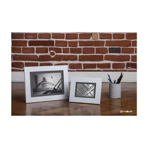 Bílý rámeček s šedou paspartou na fotografii Styler Lahti, 30x40cm