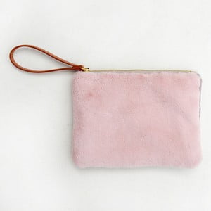 Růžová taštička s umělou kožešinou Caroline Gardner