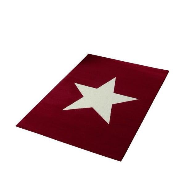 Dětský červený koberec Hanse Home Star, 140x200cm