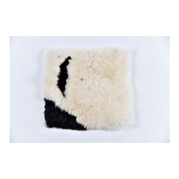 Černobílý kožešinový podsedák s krátkým chlupem Spotted, 37x37cm