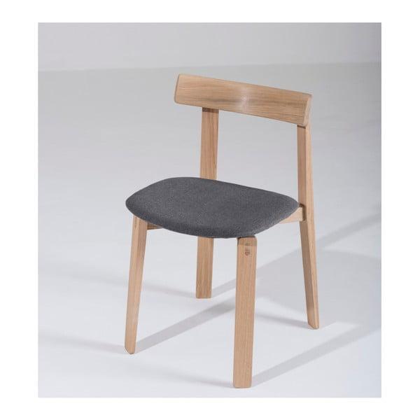 Jídelní židle z masivního dubového dřeva s tmavě šedým sedákem Gazzda Nora