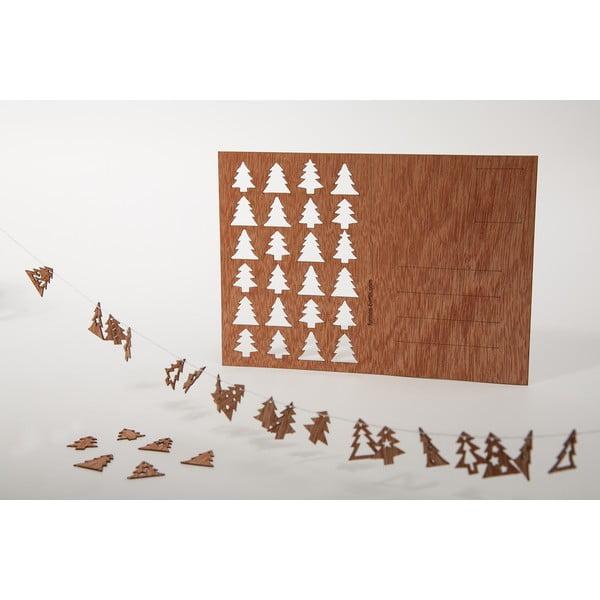 Drewniana kartka świąteczna Formes Berlin z 24 choinkami, 14,8x10,5 cm