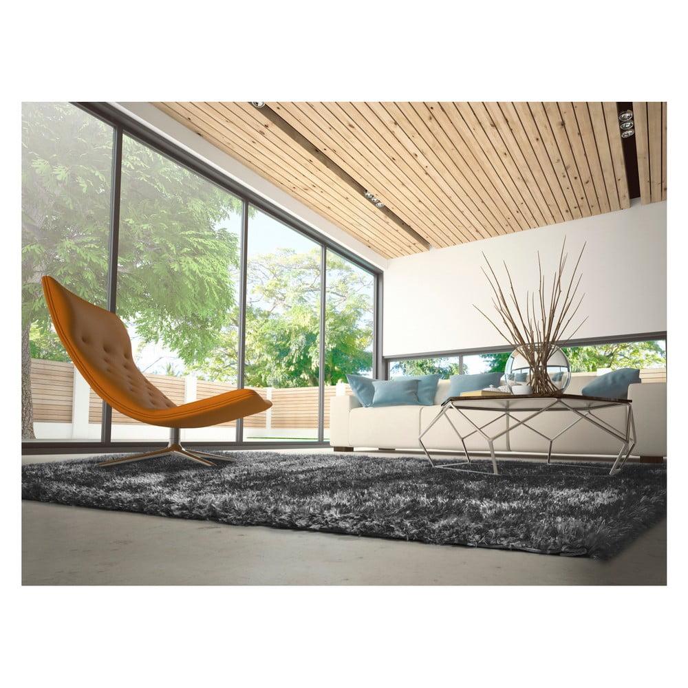 Produktové foto Antracitově šedý koberec Universal Aloe Liso, 60x120cm