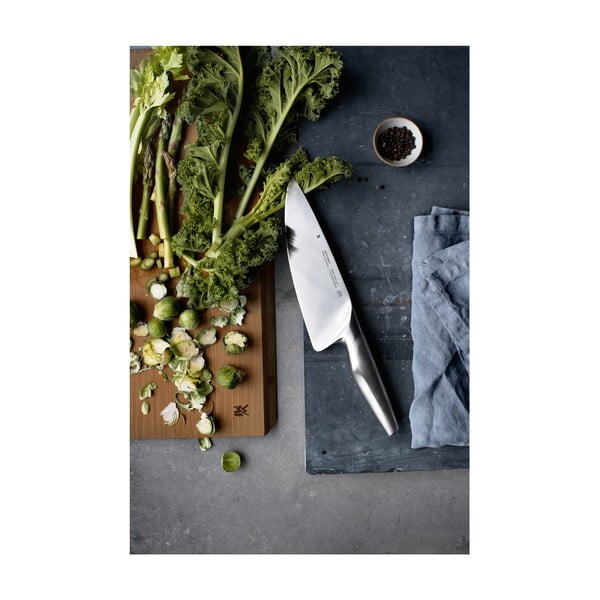 Cuțitul bucătarului fabricat din oțel inoxidabil WMF Chef, lungime 20 cm