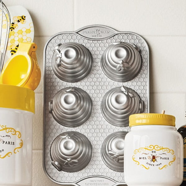 Forma na pečení Nordic Ware Včelí mini úly