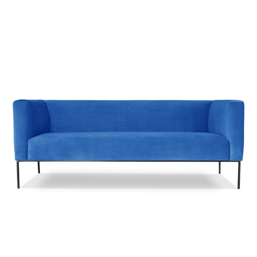 Světle modrá trojmístná pohovka Windsor & Co. Sofas Neptune