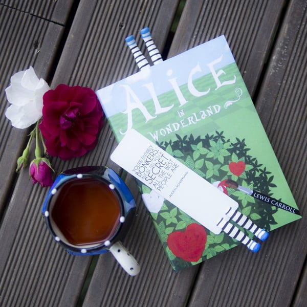 Záložka Creative Gifts Alice in Wonderland