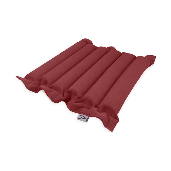 Červený sedací polštářek s masážními míčky Linda Vrňáková Waves, 50x50cm