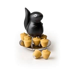 Černý stojánek s magnety Qualy Magnetic Squirrel & Acorn