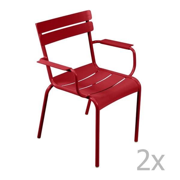 Sada 2 sytě červených židlí s područkami Fermob Luxembourg