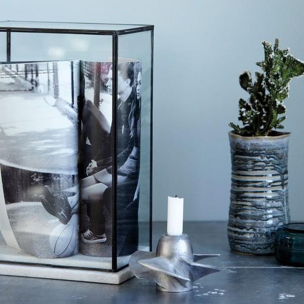 Skleněná vitrína s mramorovým rámem House Doctor