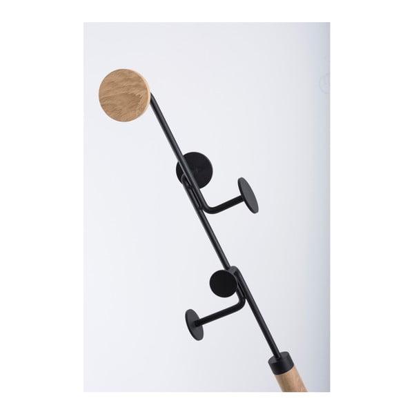 Stojací věšák z masivního dubového dřeva s černým detailem Gazzda Hook