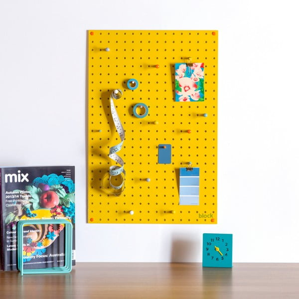 Žlutá multifunkční nástěnka Pegboard Medium, 61x81cm