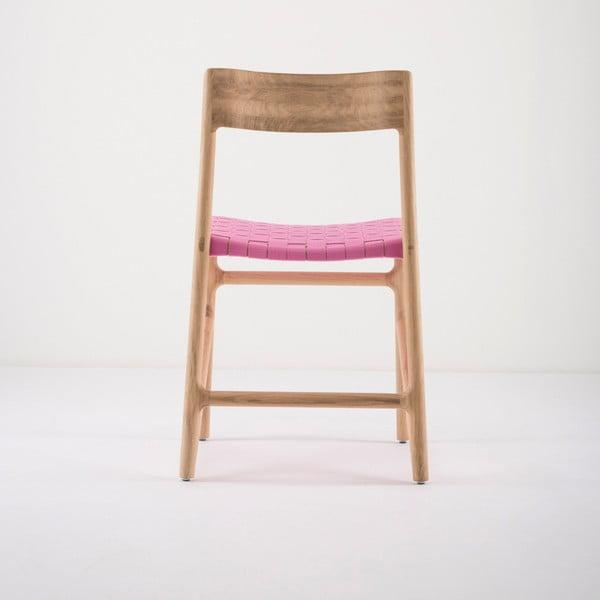 Jídelní židle z masivního dubového dřeva s růžovým sedákem Gazzda Fawn