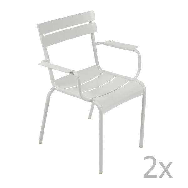 Sada 2 světle šedých židlí s područkami Fermob Luxembourg