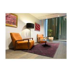 Tmavě vínový koberec Universal Soho, 140x200cm