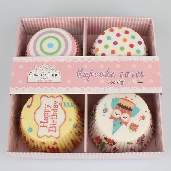 Sada 100 košíčkov na pečenie muffinov so zapichovadlami Dakls Happy Birthday