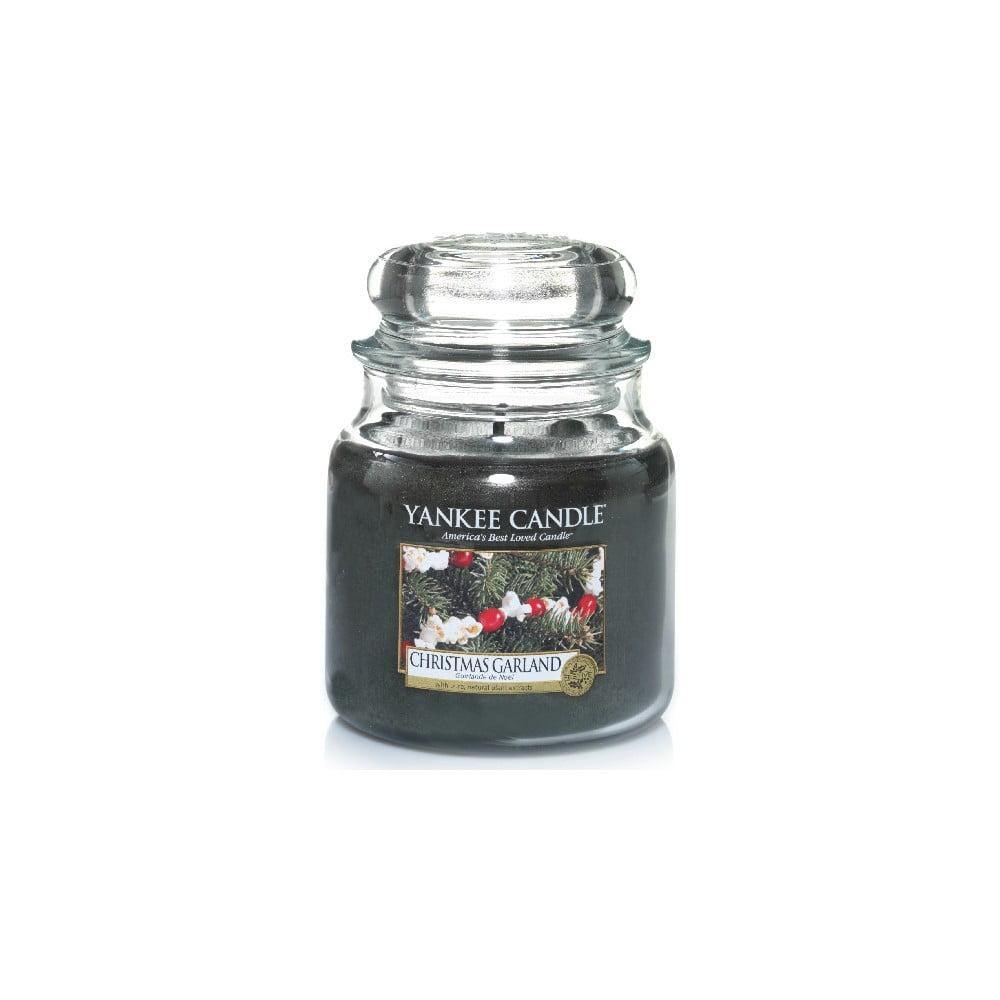 Vonná svíčka Yankee Candle Vánoční Věnec, doba hoření 65 - 90 hodin