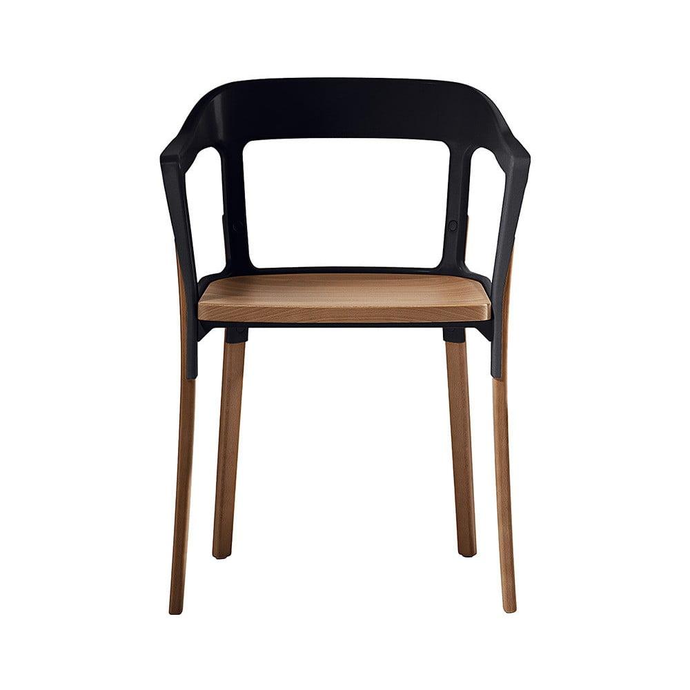 Černá židle s nohami z masivního buku Magis Steelwood
