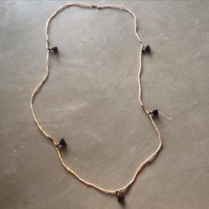 Dlouhý náhrdelník/náramek Kasbah Beige