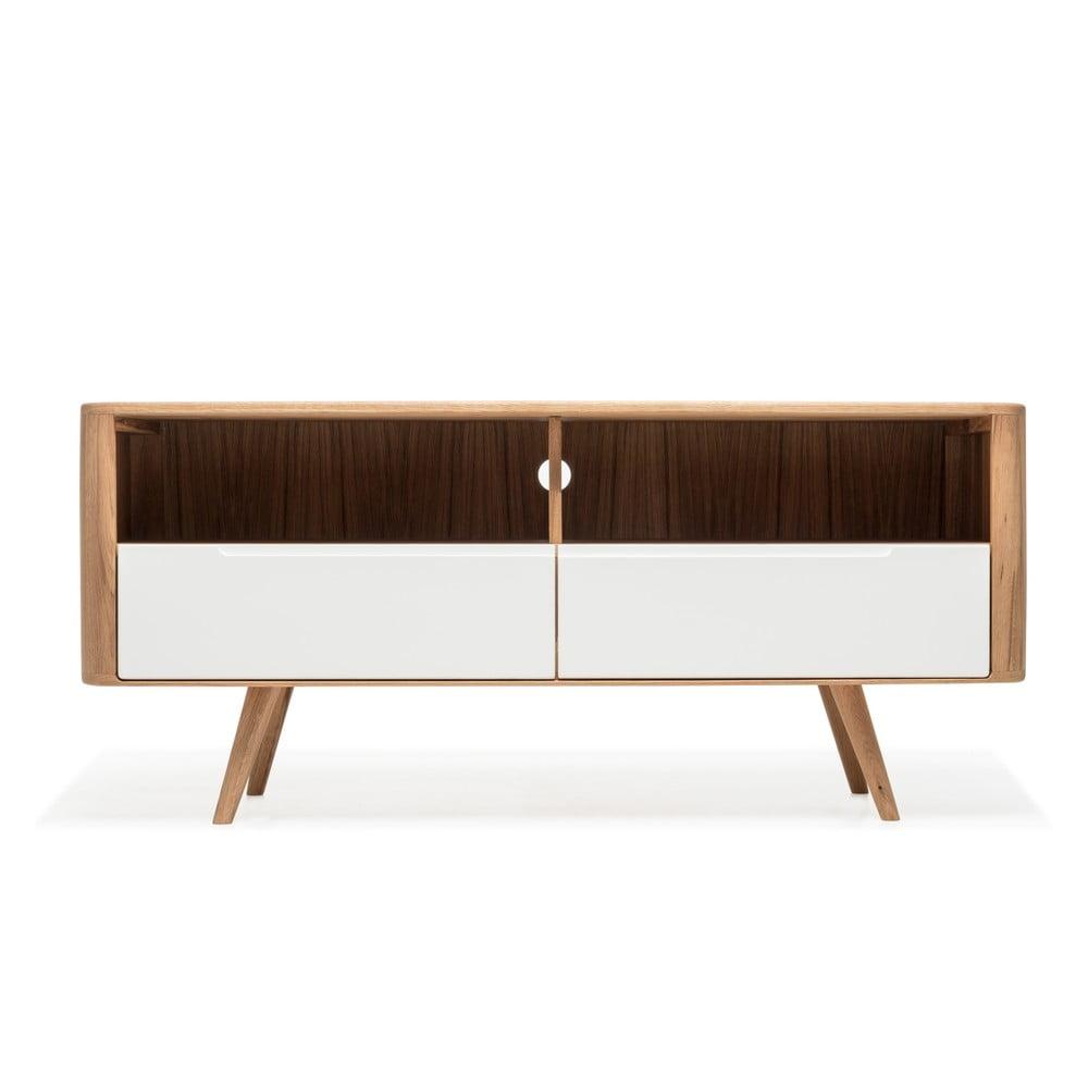 Televizní stolek z dubového dřeva Gazzda Ena Three, 135 x 42 x 60 cm