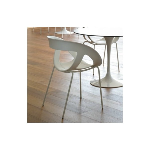 Set 2 bílých židlí Moema, lakované bílé nohy