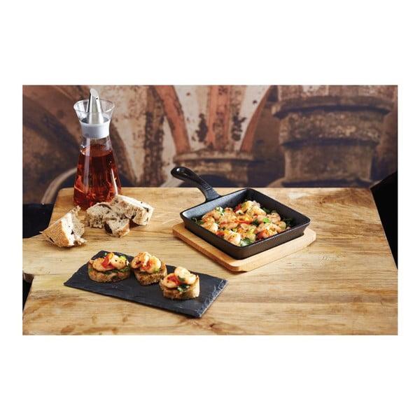 Litinová pánvička s dřevěným podnosem Kitchen Craft Master Class