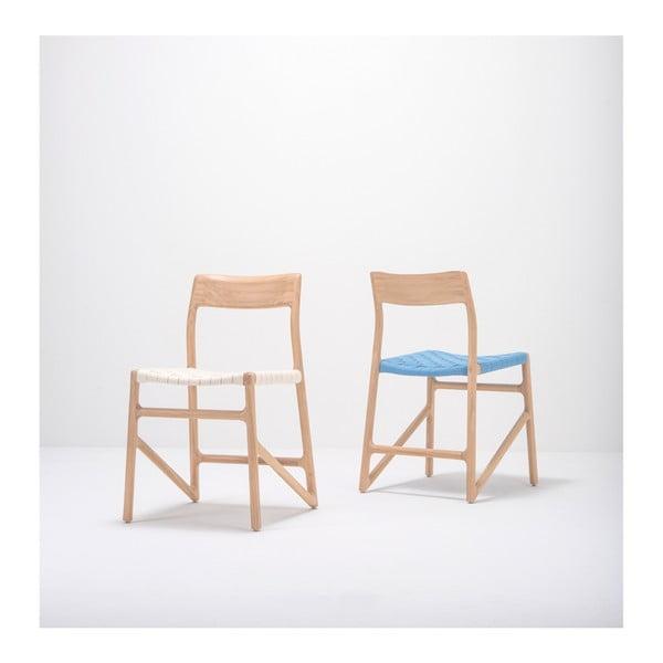Jídelní židle z masivního dubového dřeva s modrým sedákem Gazzda Fawn