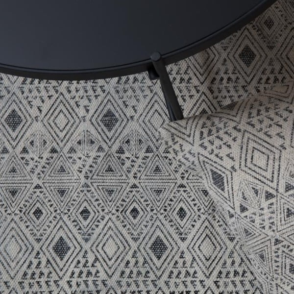 Koberec Graphic Black, 120x180 cm