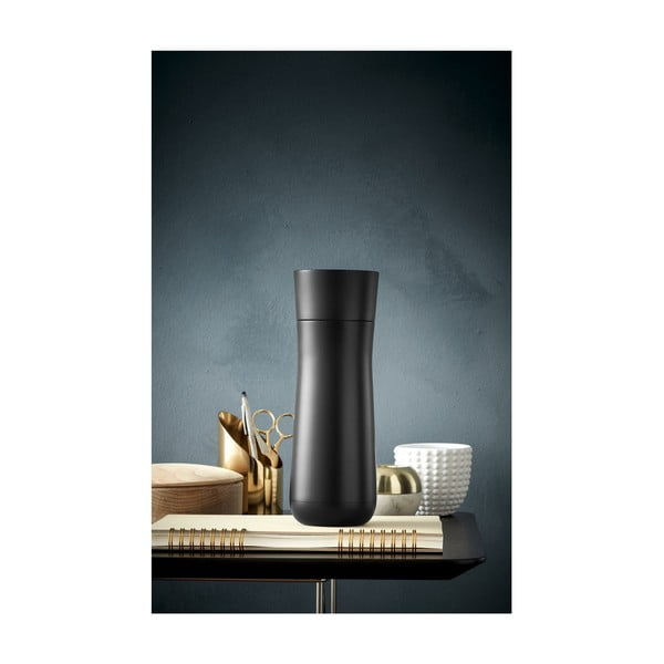 Cană termos din oțel inoxidabil v černé barvě WMF Cromargan® Impulse