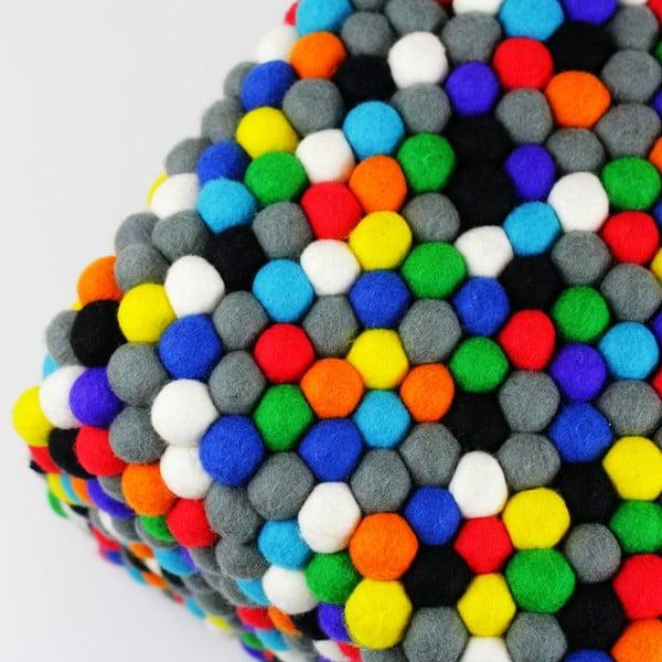 Ručně vyrobený kuličkový puf Happy Pills, hranatý