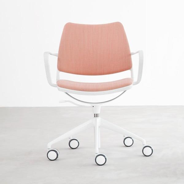 Růžová židle na kolečkách s lakovanými bílými nohami Stua Gas Swivel
