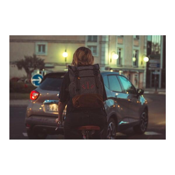 48df55292a8 ... Cyklistický batoh se signálovým LED značením MoonRide ...