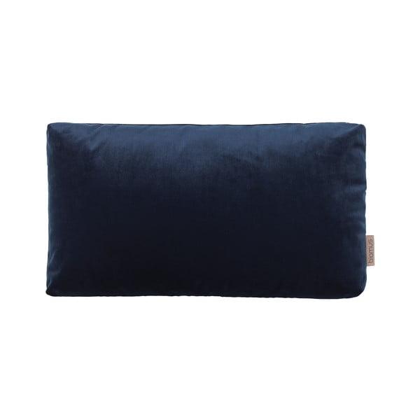 Tmavě modrý povlak na polštář se sametovým efektem Blomus, 50x30cm